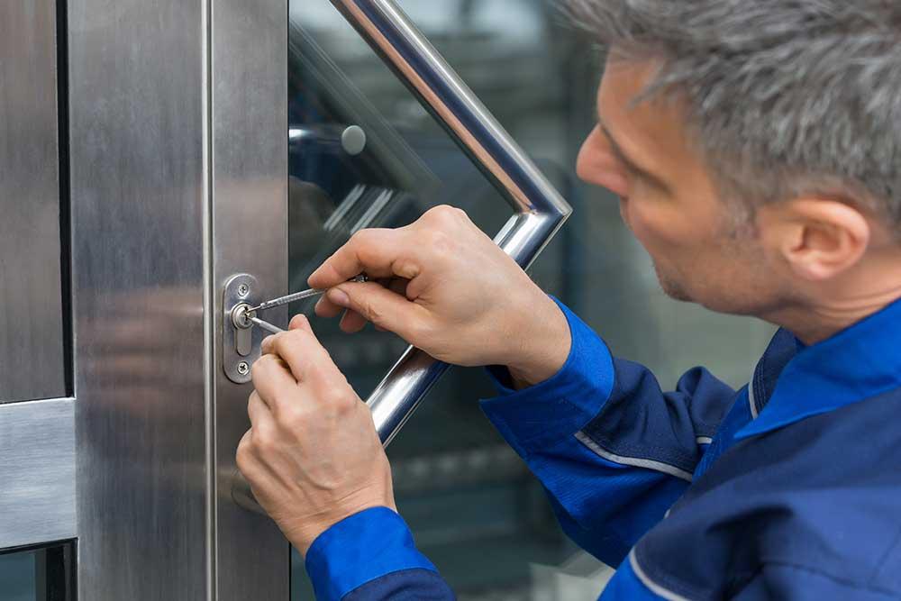how to avoid locksmith scams